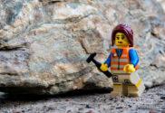 Geólogo haciendo trabajos de campo